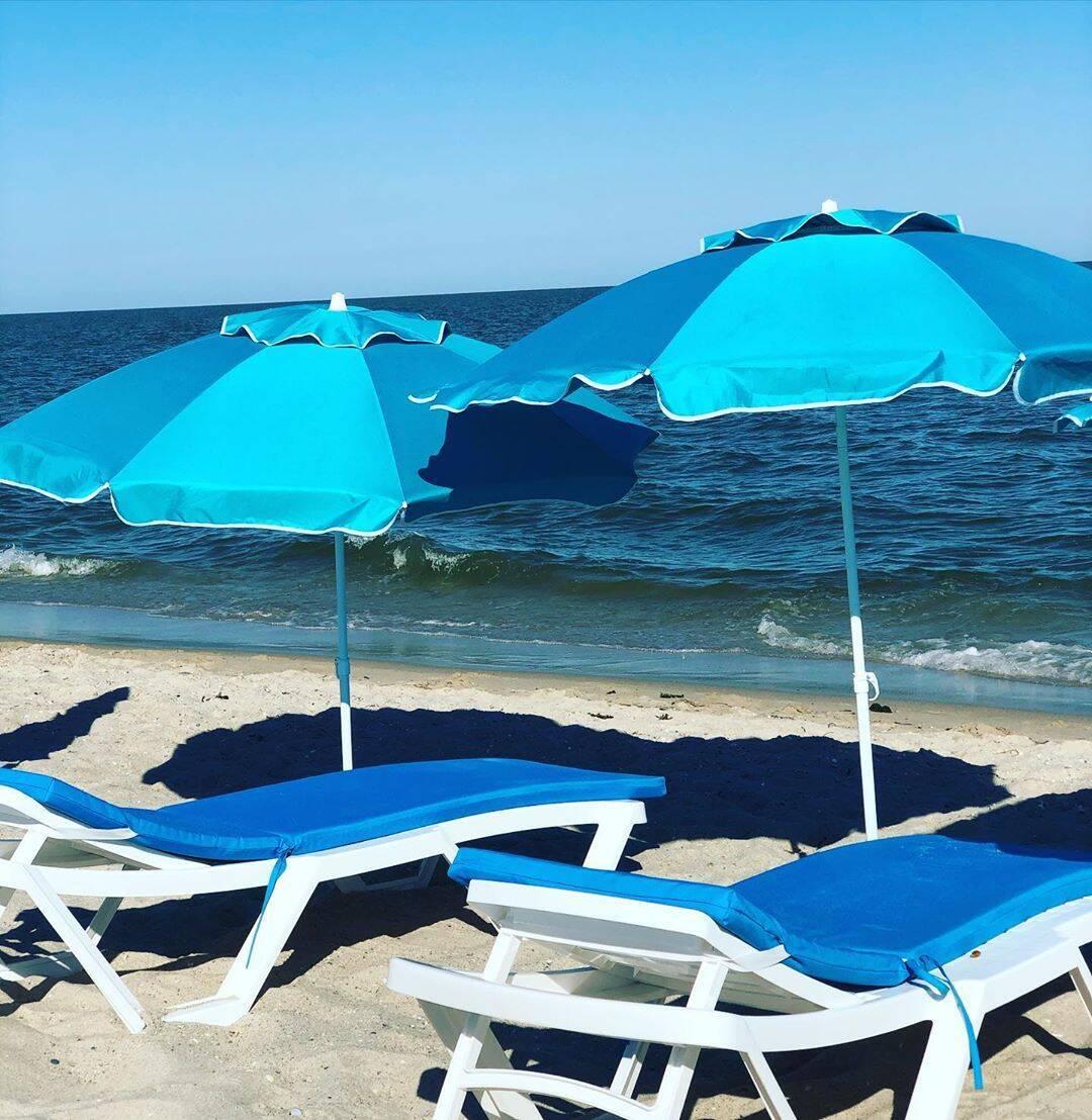 Ломаченко відкрив готель на березі моря. Фотофакт