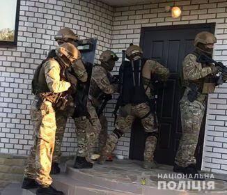 На Київщині затримали банду, яку підозрюють у розбійному нападі на підприємця