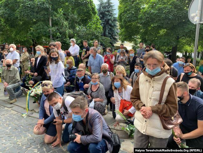 Украина простилась с погибшим на Донбассе Героем Матвеевым: фото и видео