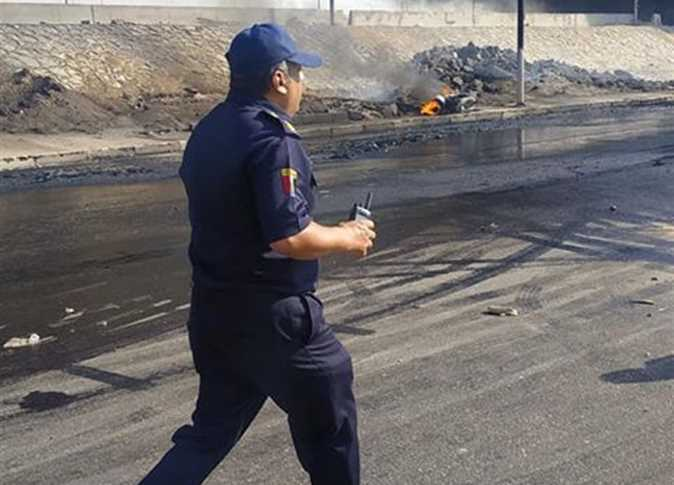 Пожарные на месте возгорания.