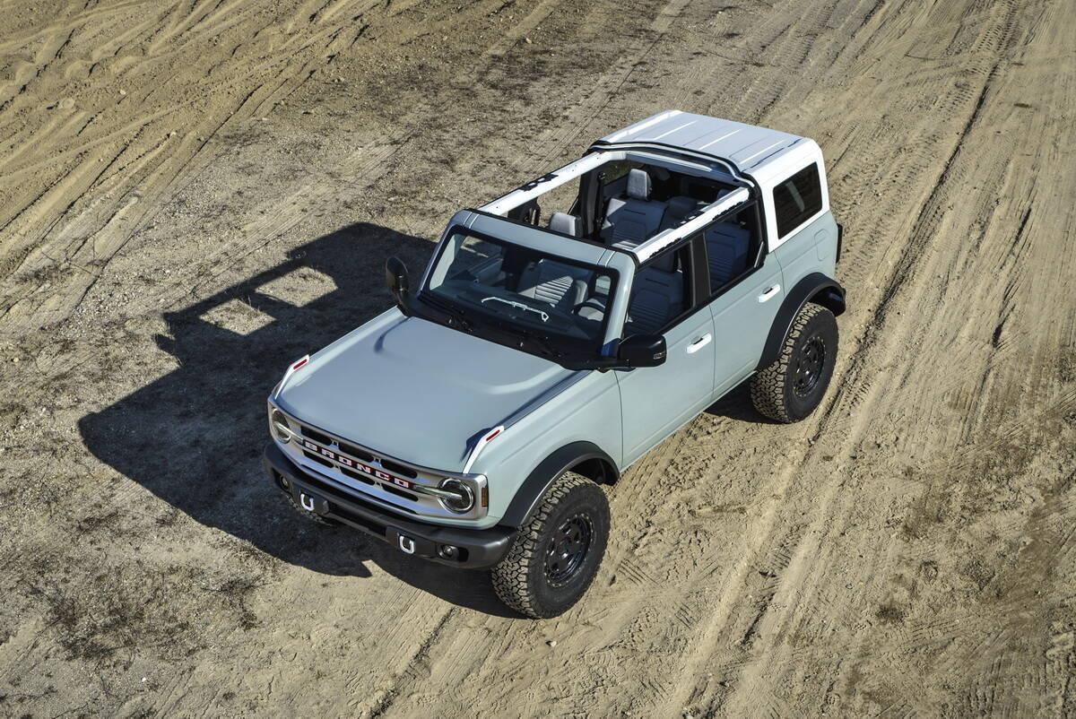 2022 Ford Bronco. фото:
