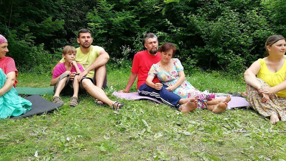 Алексей с сыном слева