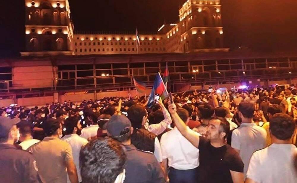 Протестующие в Азербайджане требовали мобилизации
