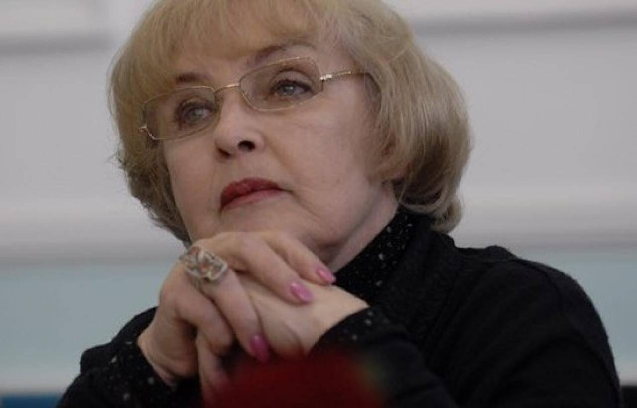 """Ада Роговцева: """"Я стала таким ось уособленням жінки, яка приїде, яку можна обійняти, і вона скаже дуже прості слова"""""""