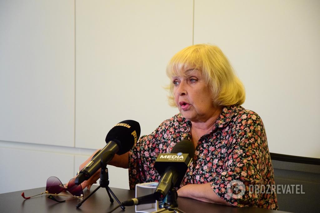 """Ада Роговцева: """"Триває війна, а ми живемо, як ніби її немає"""""""