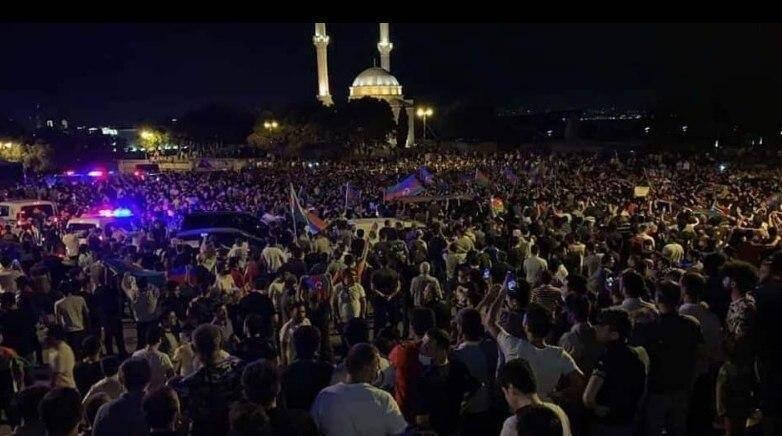 В Азербайджане прошел митинг из-за войны с Арменией