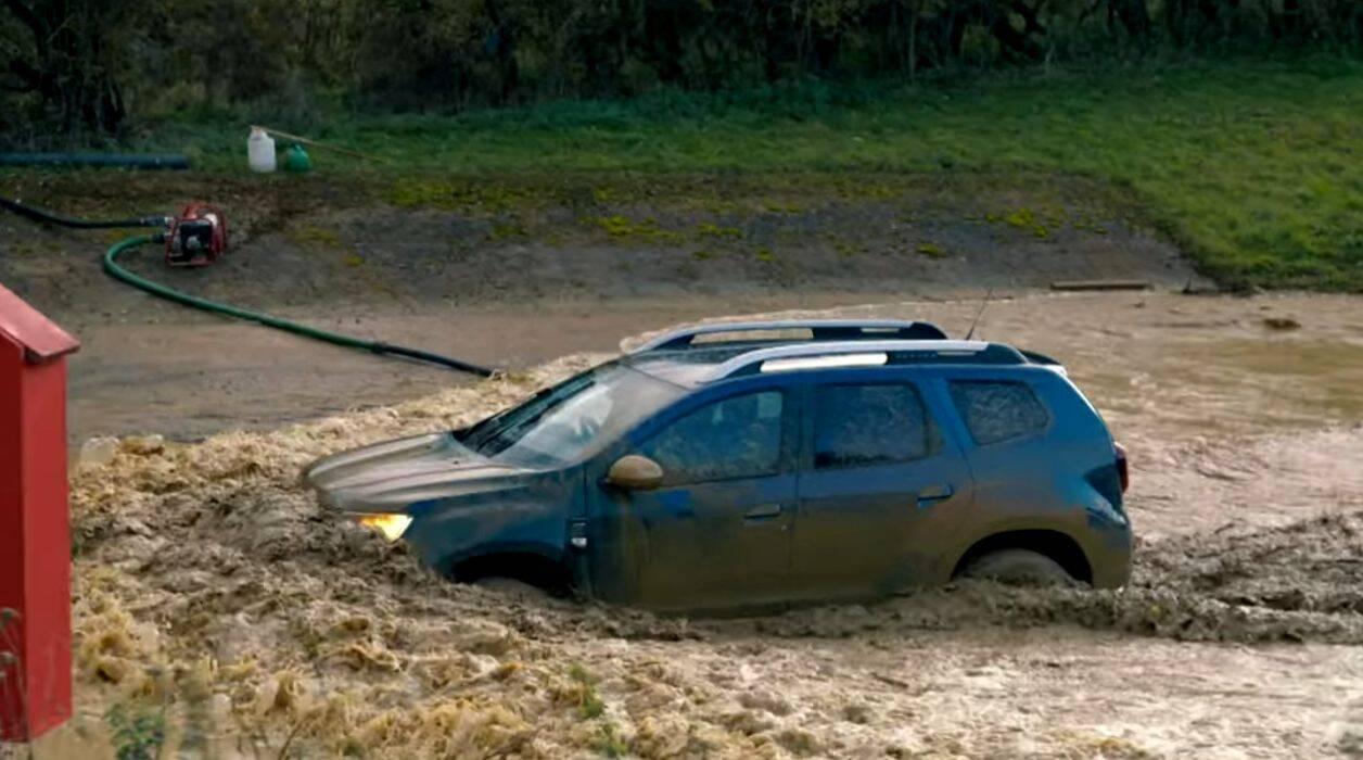 Renault Duster против Suzuki Jimny.