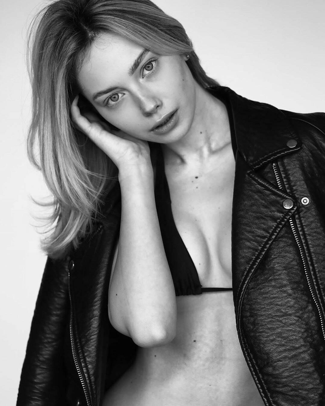 Марина Галаган в чорно-білому