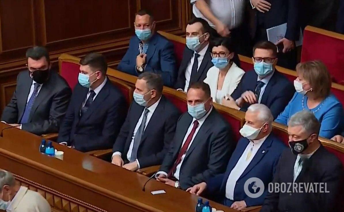 Кравчук, Порошенко и другие приглашенные на торжественное заседание Рады