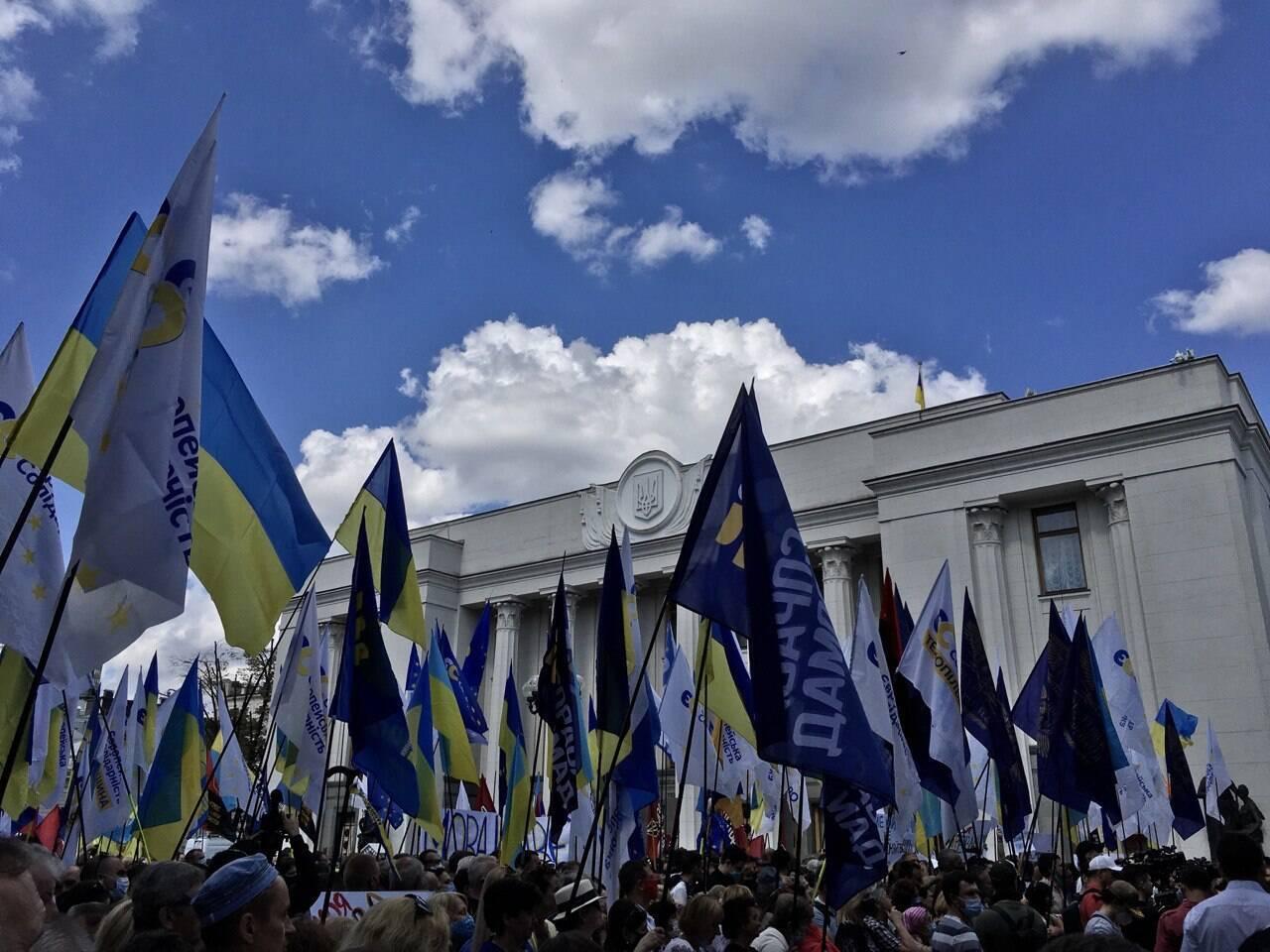 Порошенко на мітингу заявив, що мову в Україні знищують на догоду Кремлю