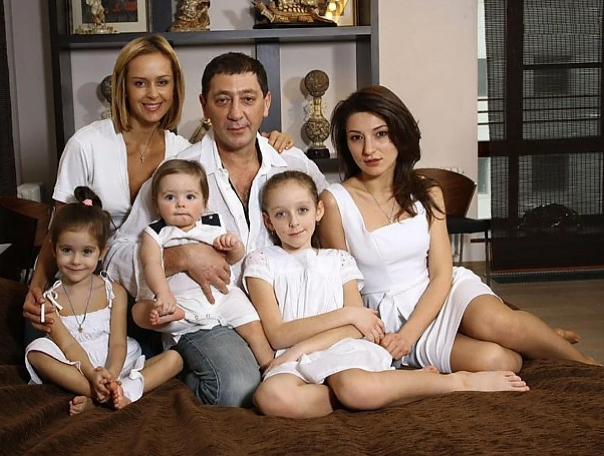 Як виглядає сім'я Григорія Лепса
