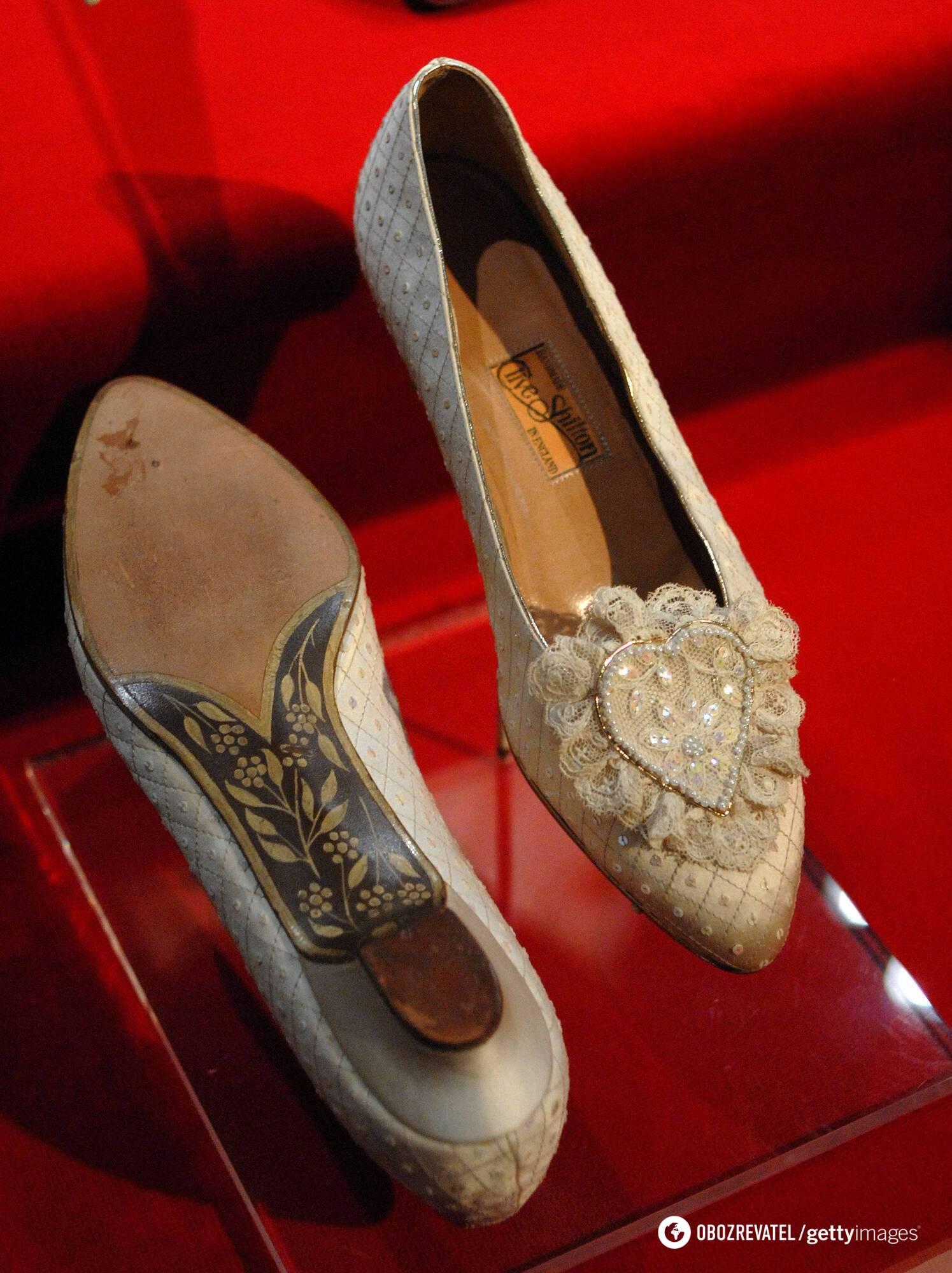Весільні туфлі принцеси Діани
