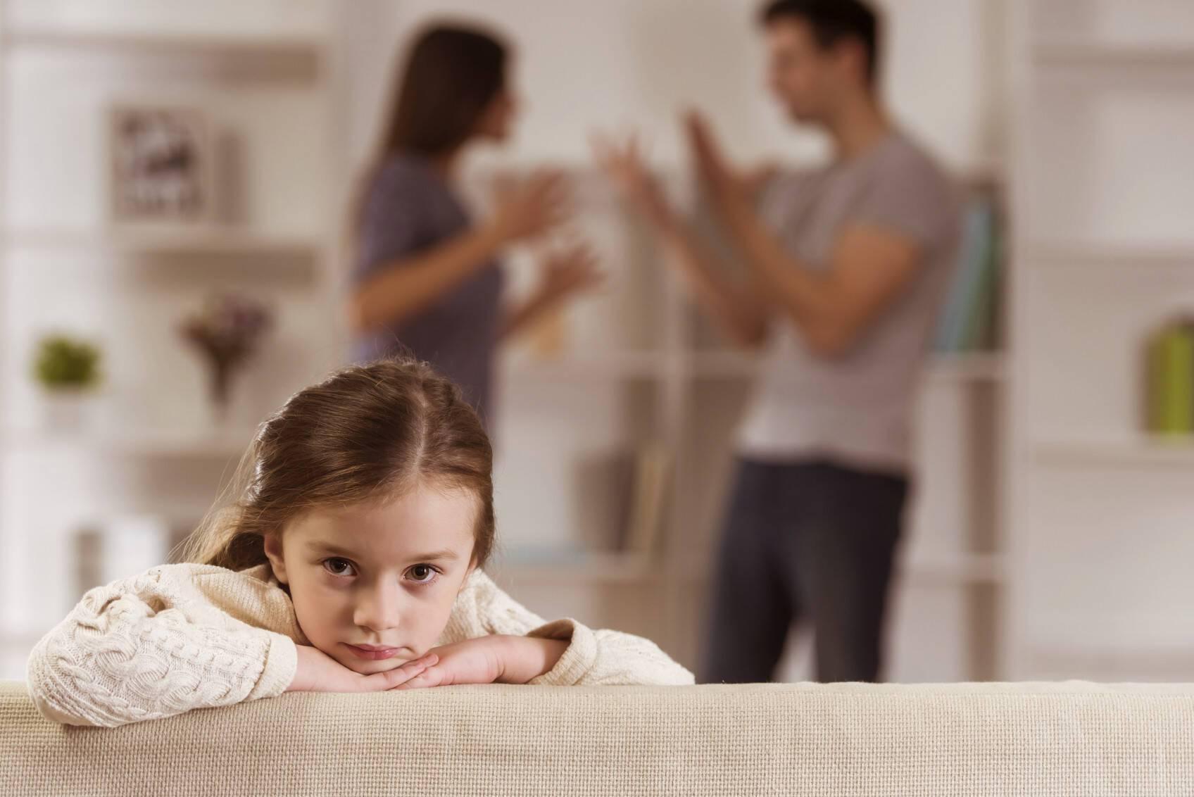 Важно сразу рассказать ребенку о разводе