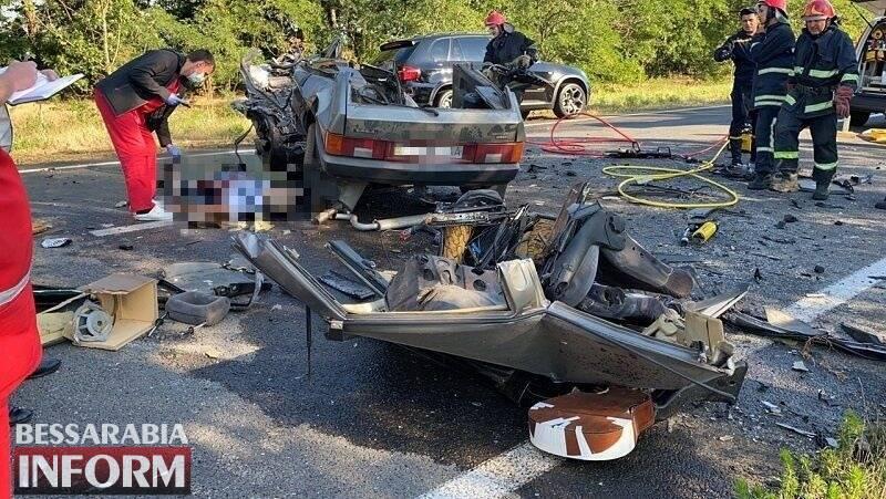 Рятувальники деблокували загиблих у ДТП на Одещині