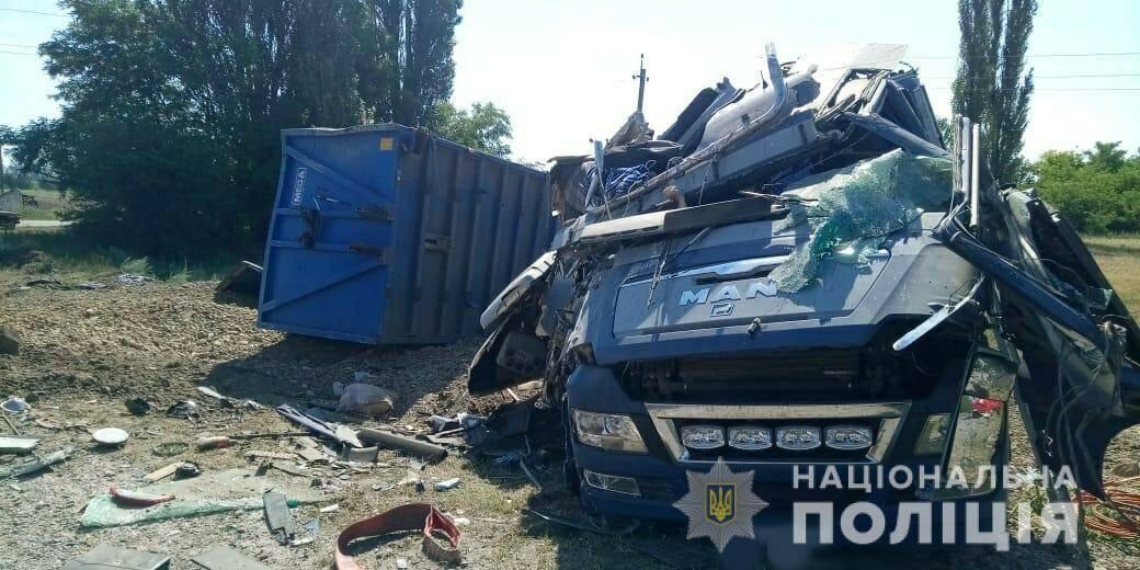 Водій і пасажир фури загинули в ДТП на Одещині