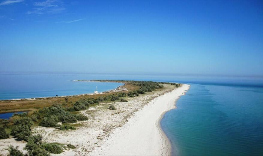 Остров Джарылгач (фото – hotelcomapedrosa.com)