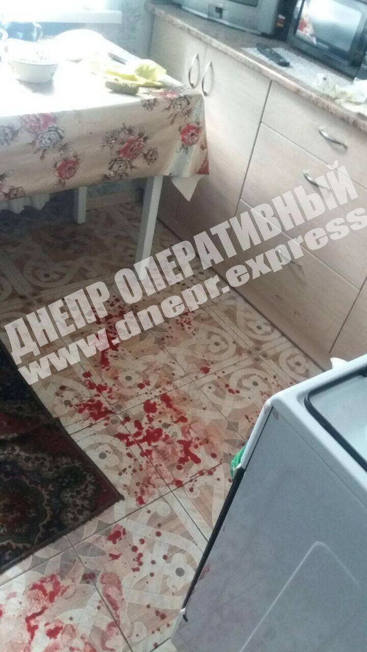 У Дніпрі жінка порізала ножем бабусю