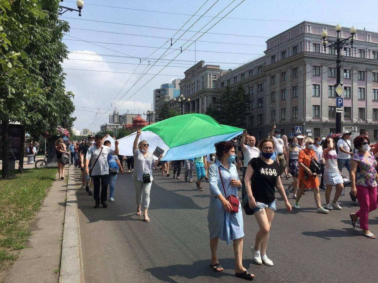 """Протестувальники в Хабаровську скандували """"Путін – злодій!"""""""