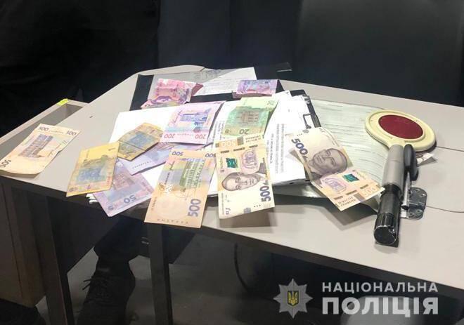 Хабар співробітнику Укртрансбезпеки в Запорізькій області.