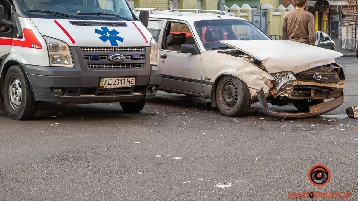 Столкнулись Opel и автомобиль скорой помощи