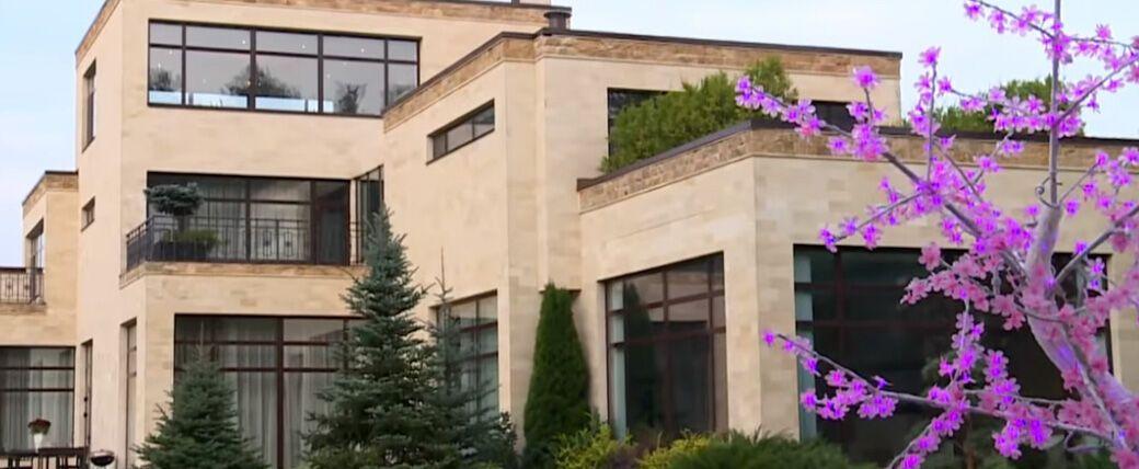 Как выглядит особняк Анастасии Заворотнюк