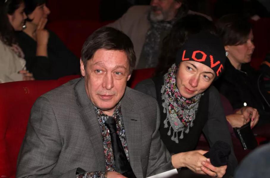 Михаил Ефремов с пятой женой Софьей Кругликовой