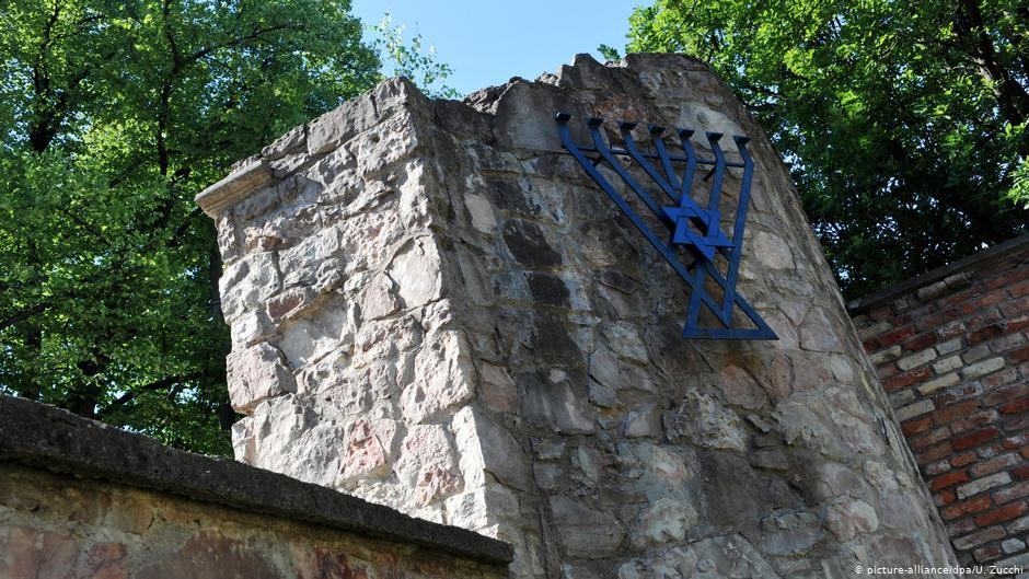 Руины Большой хоральной синагоги в Риге