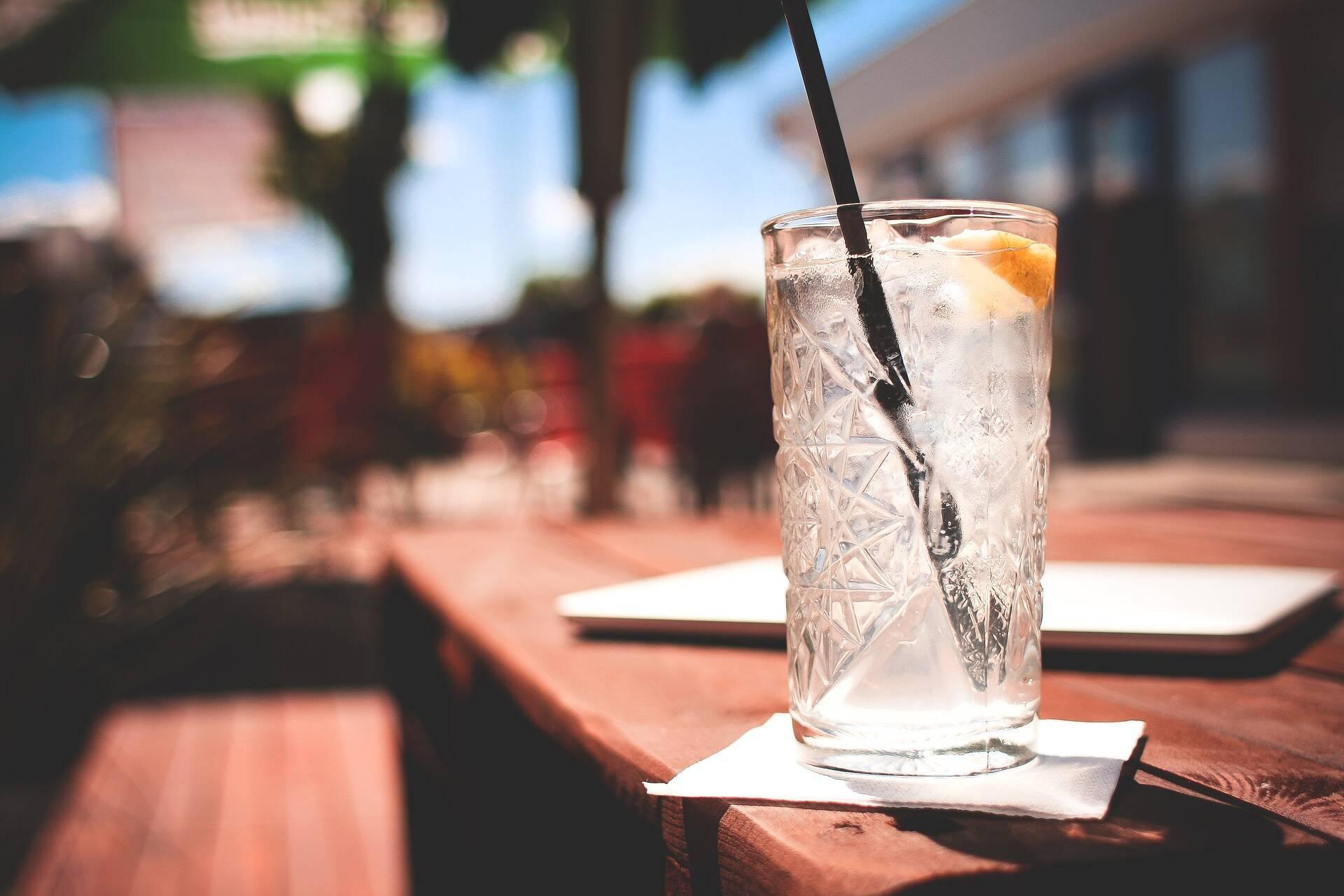 Употребление алкоголя усугубляет негативное воздействие высокой температуры на организм
