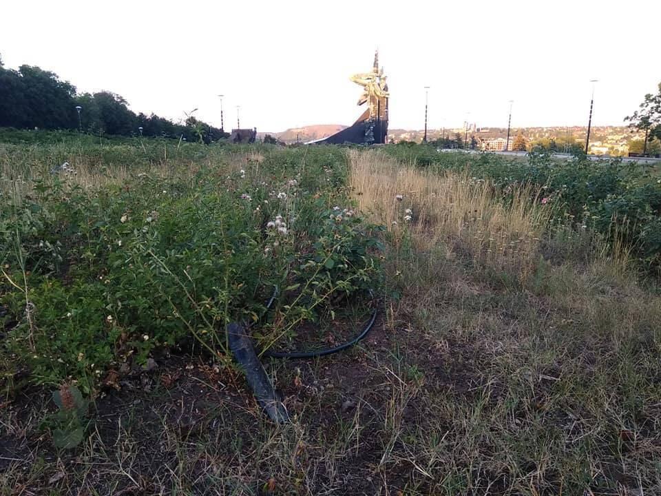 """Фотография сквера возле """"Донбасс Арены"""""""