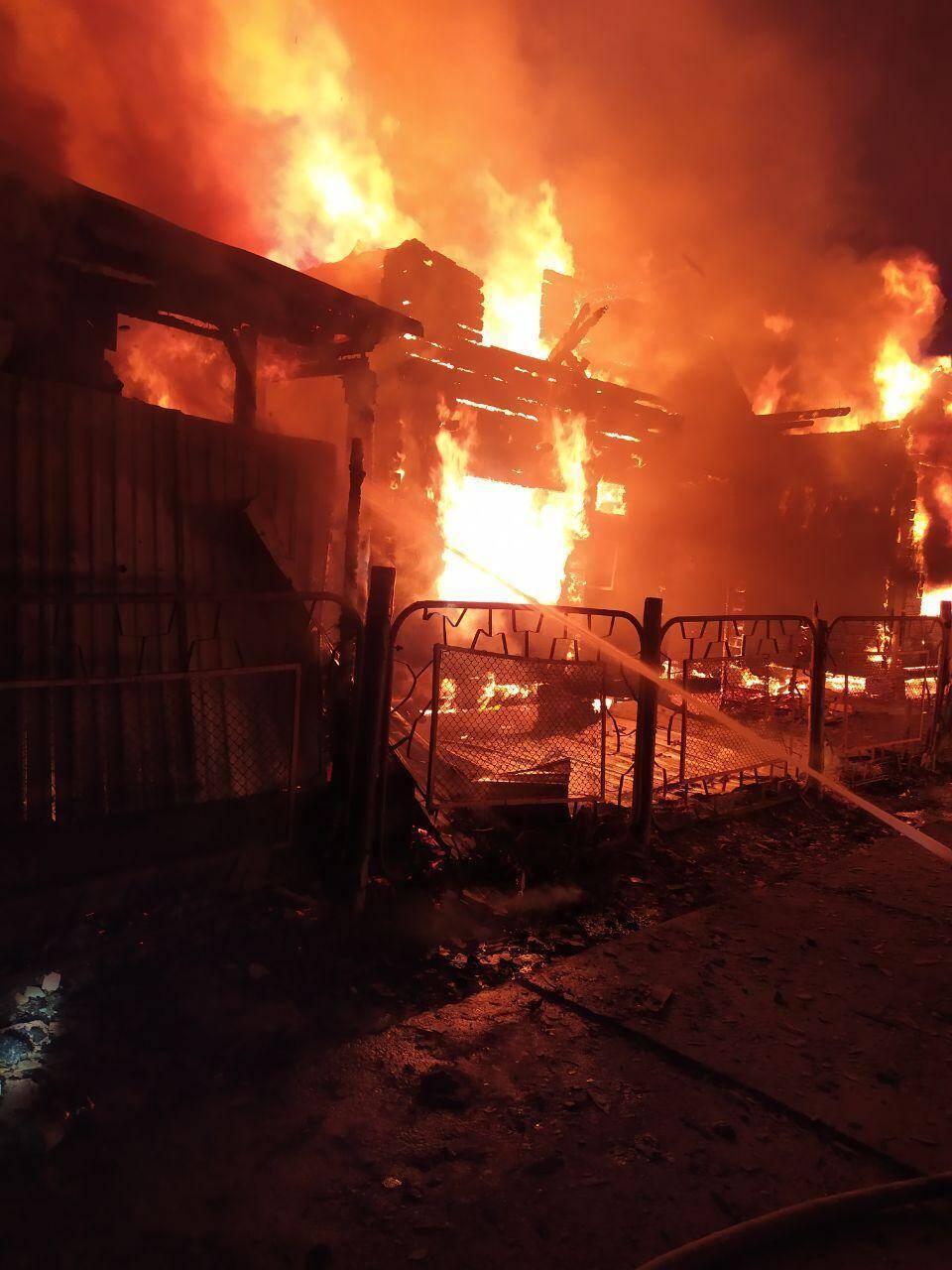 В Затоке сгорело сразу две базы отдыха