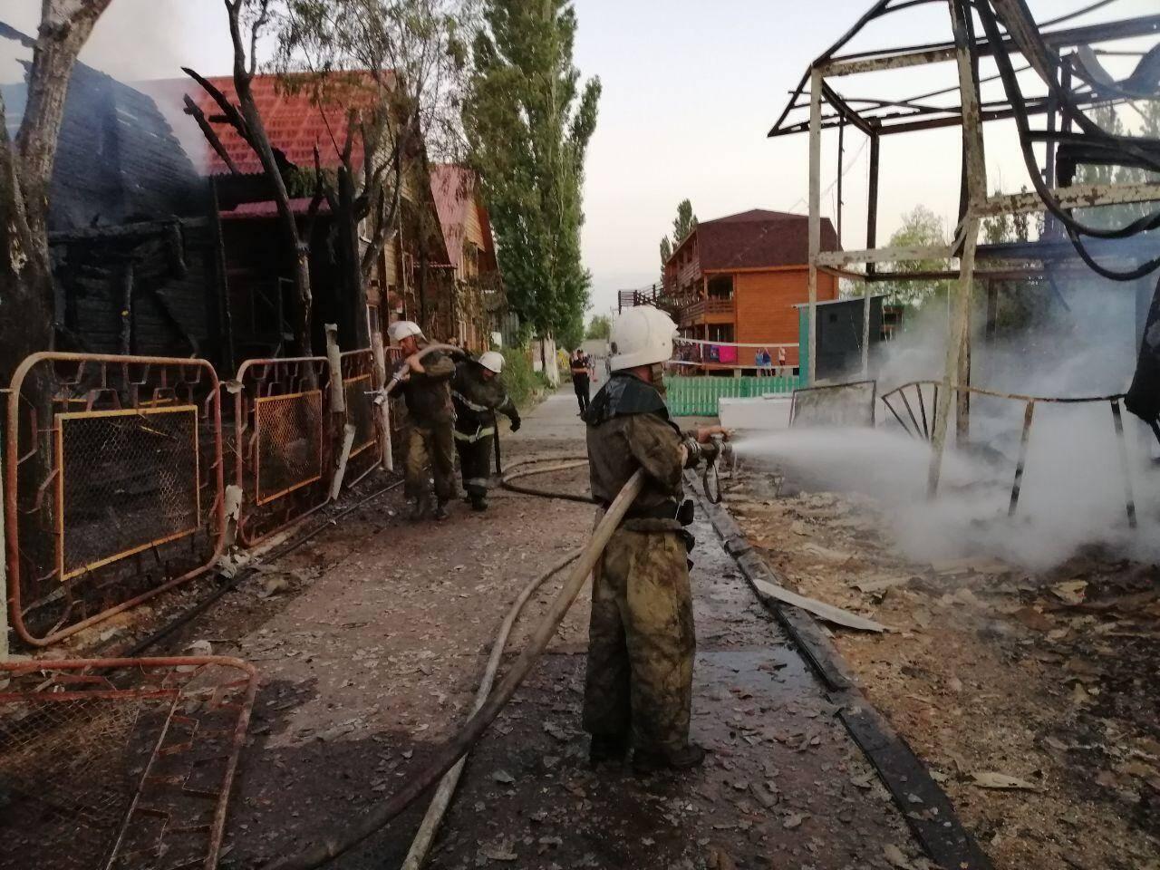 Пожар в Затоке также повредил соседние кафе