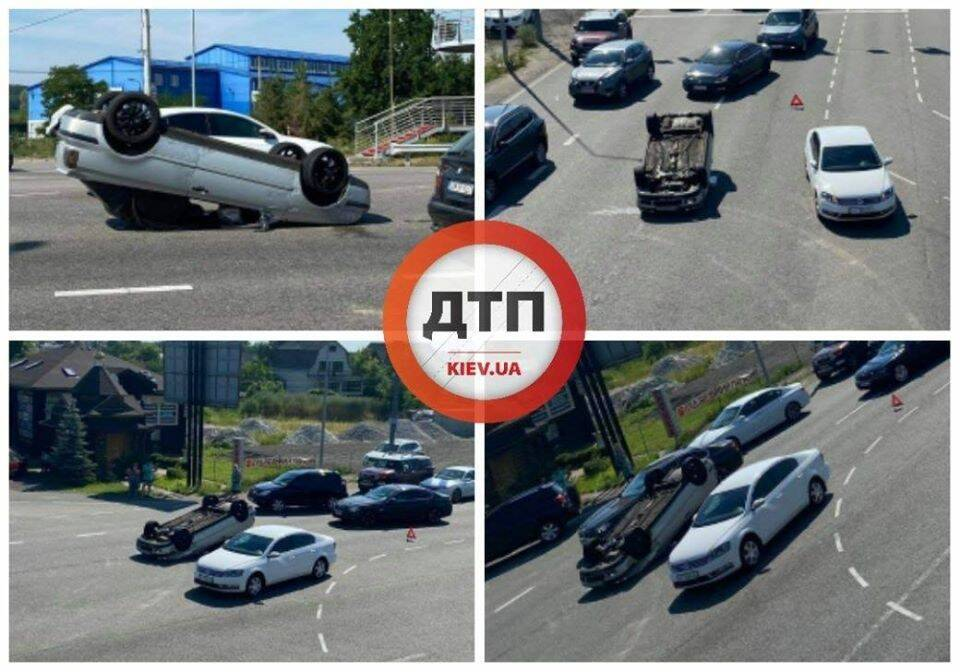Під Києвом авто перекинулось на дах після ДТП