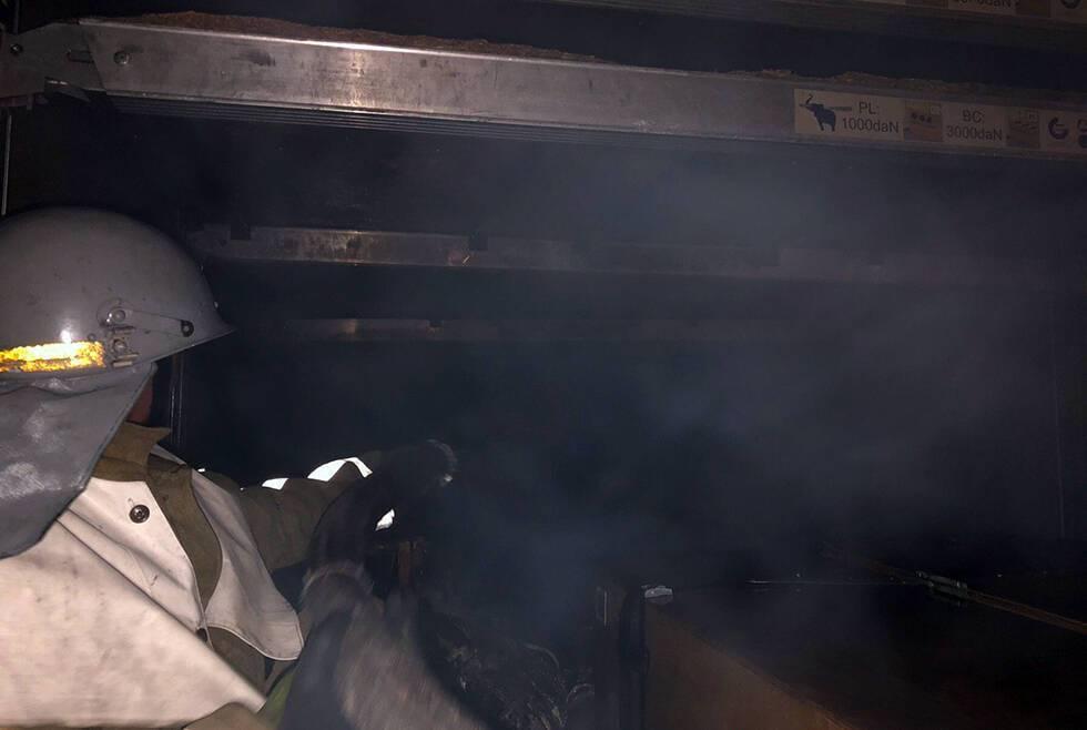 На Днепропетровщине сгорел почтовый грузовик