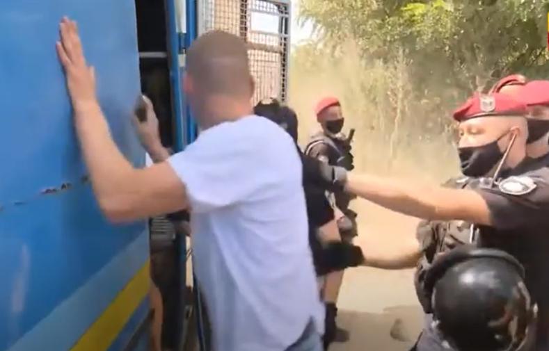 Правоохранители задержали не песчаных браконьеров, а активистов