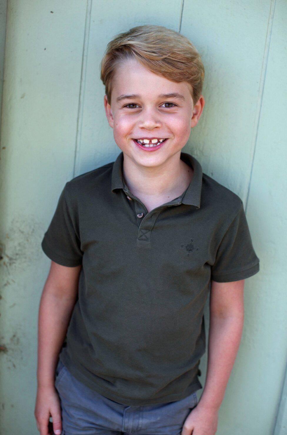 Фотографія, зроблена до семиріччя принца Джорджа