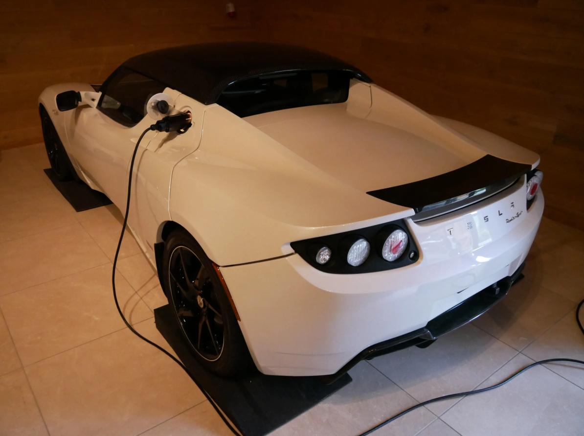 1,5 миллиона долларов – очень много за эту машину.
