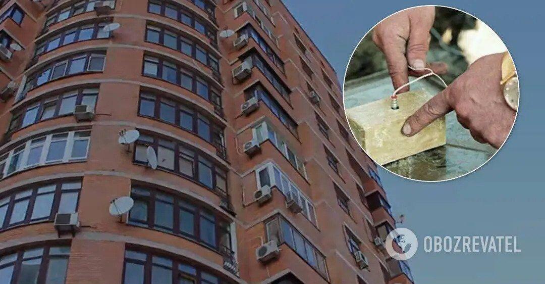 У багатоповерховому будинку на Голосіївському проспекті знайшли схованку зі зброєю та вибухівкою.