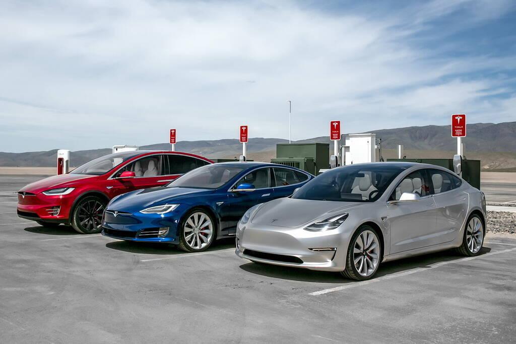 Электромобили Tesla. Фото: