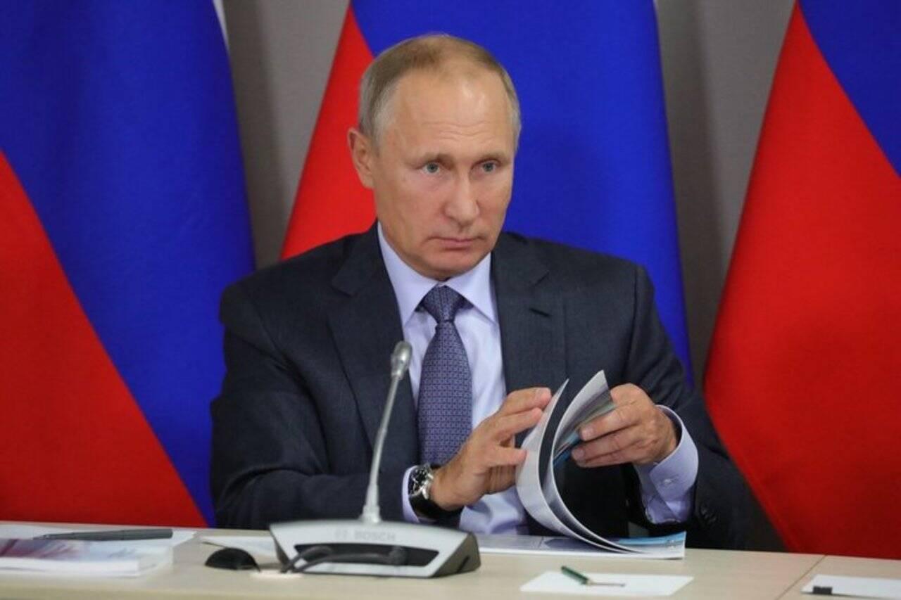 Владимир Путин не будет исполнять решения международных судов