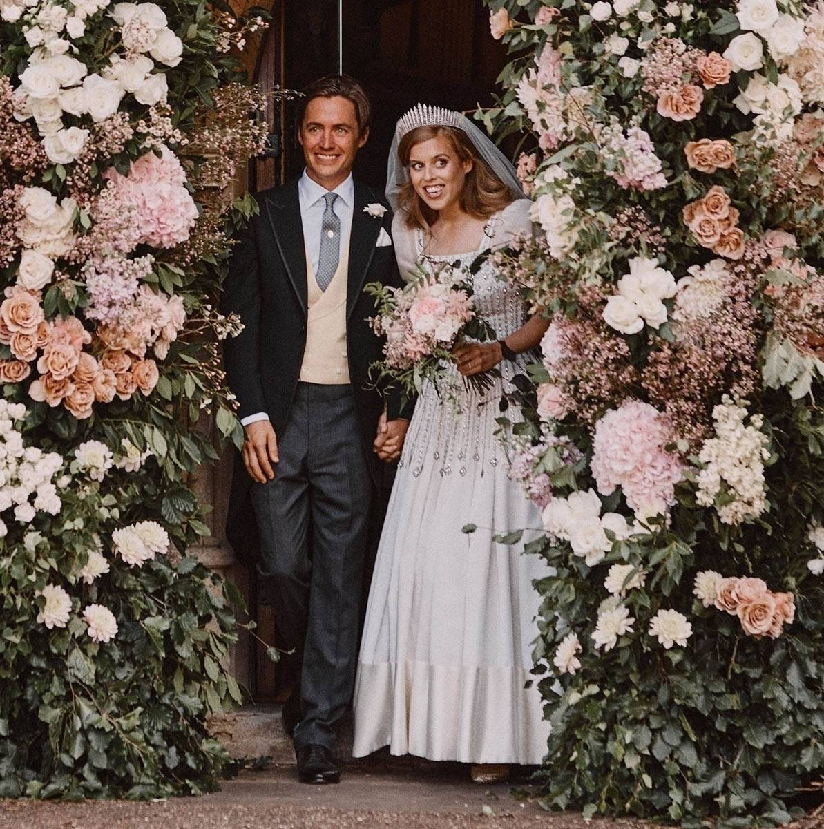 Принцесса Беатрис вышла замуж за Эдоардо Мапелли-Моцци (фото – parade.com)