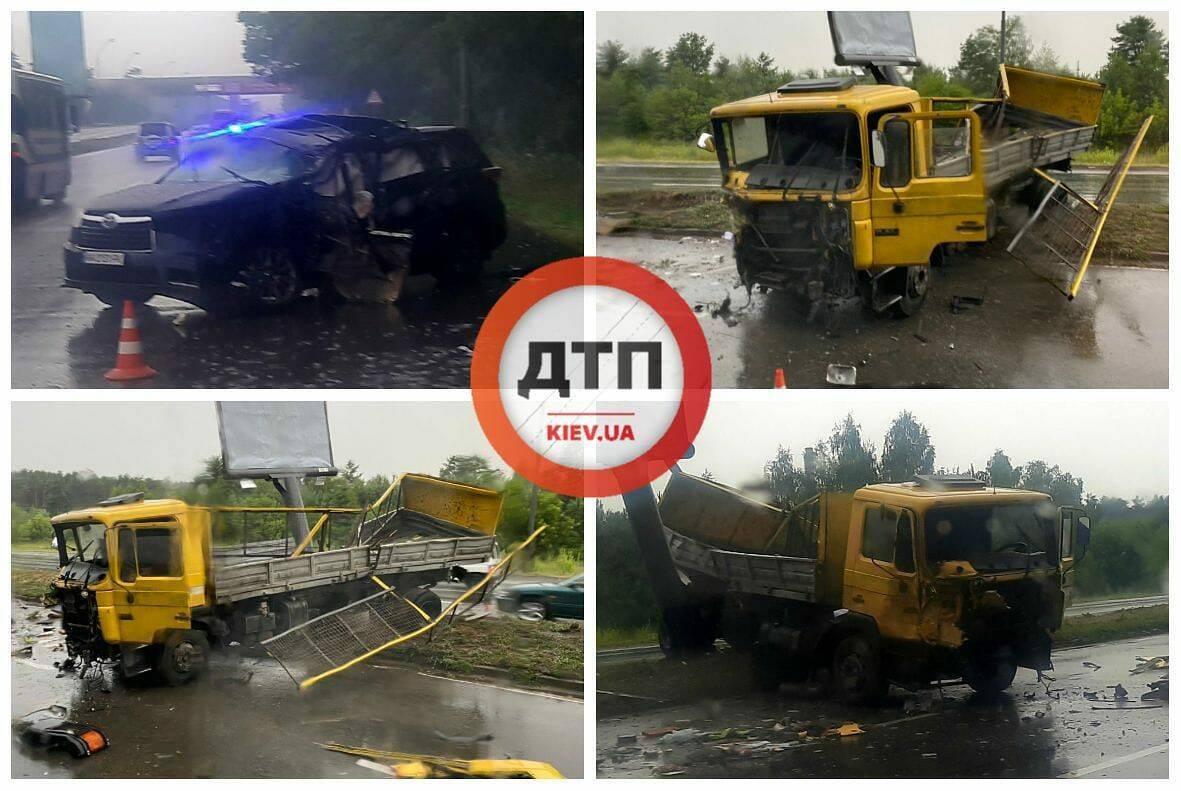У Києві трапилася масштабна ДТП з вантажівкою