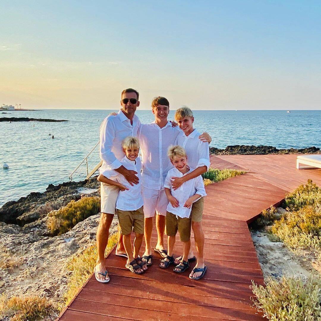 Андрей Шевченко с детьми