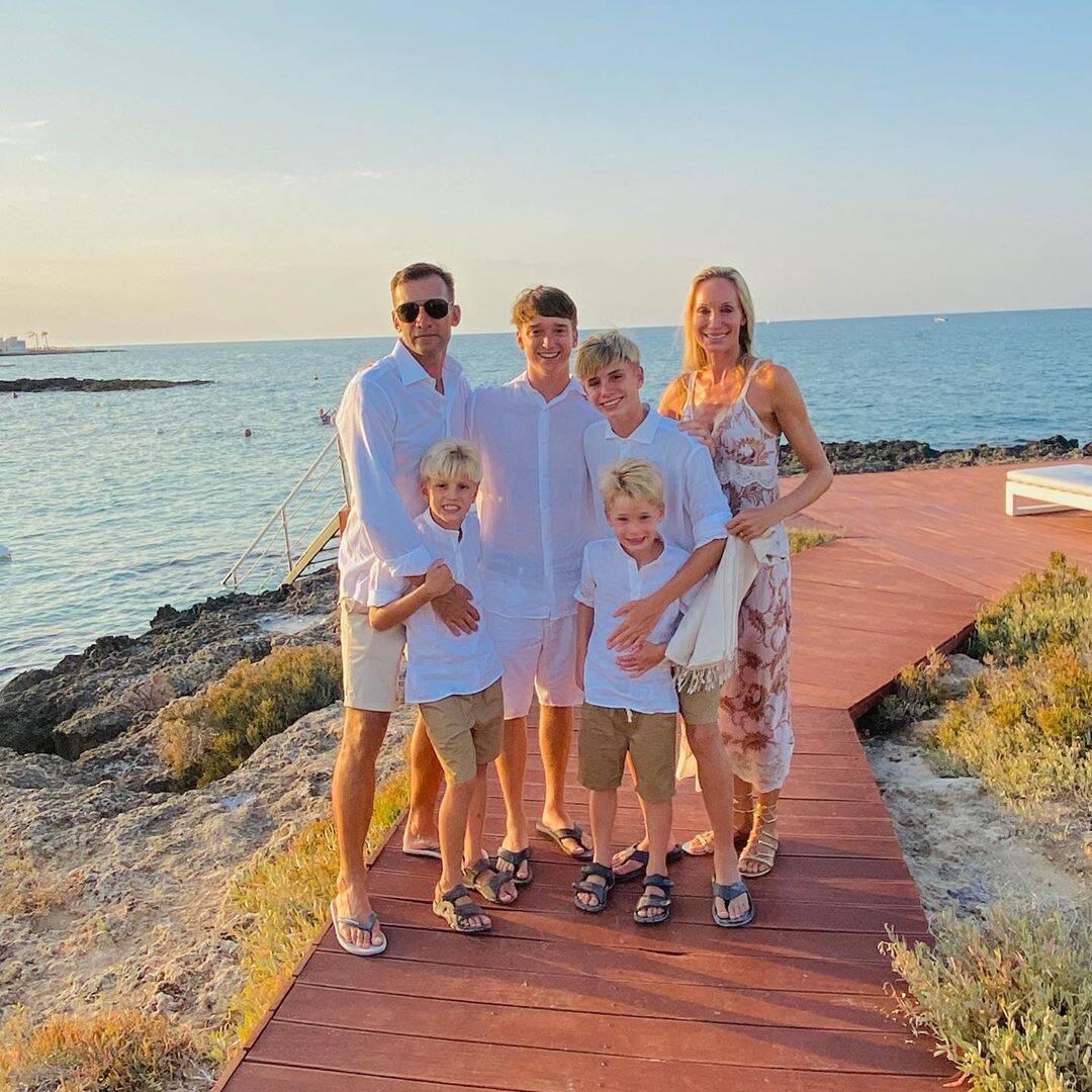 Андрей Шевченко с женой и детьми