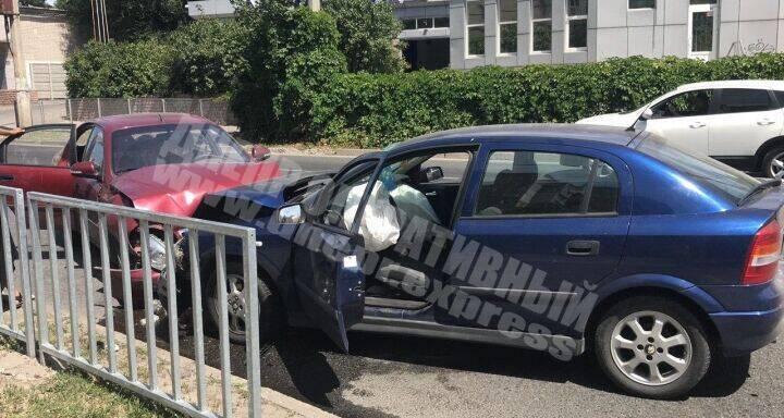 У Дніпрі п'яний водій влаштував лобову ДТП