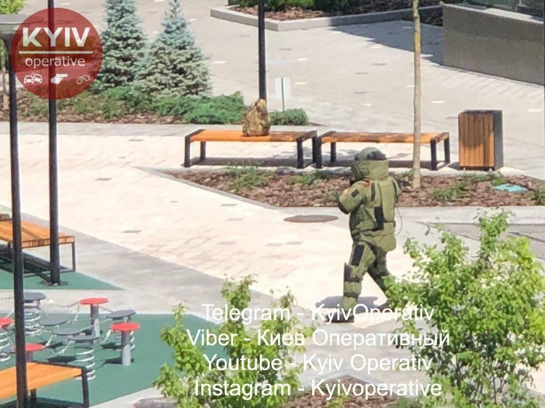 У Києві під час хвилі мінувань знайшли підозрілий рюкзак