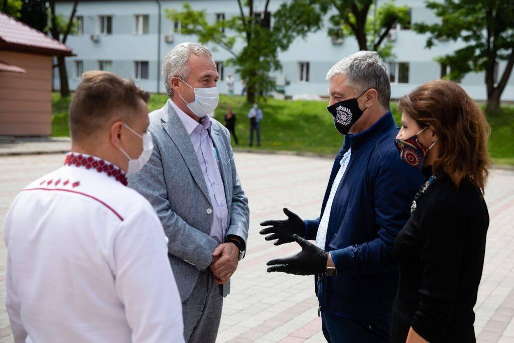 Больницы Украины получили 10 тыс. ИФА-тестов от Фонда Порошенко