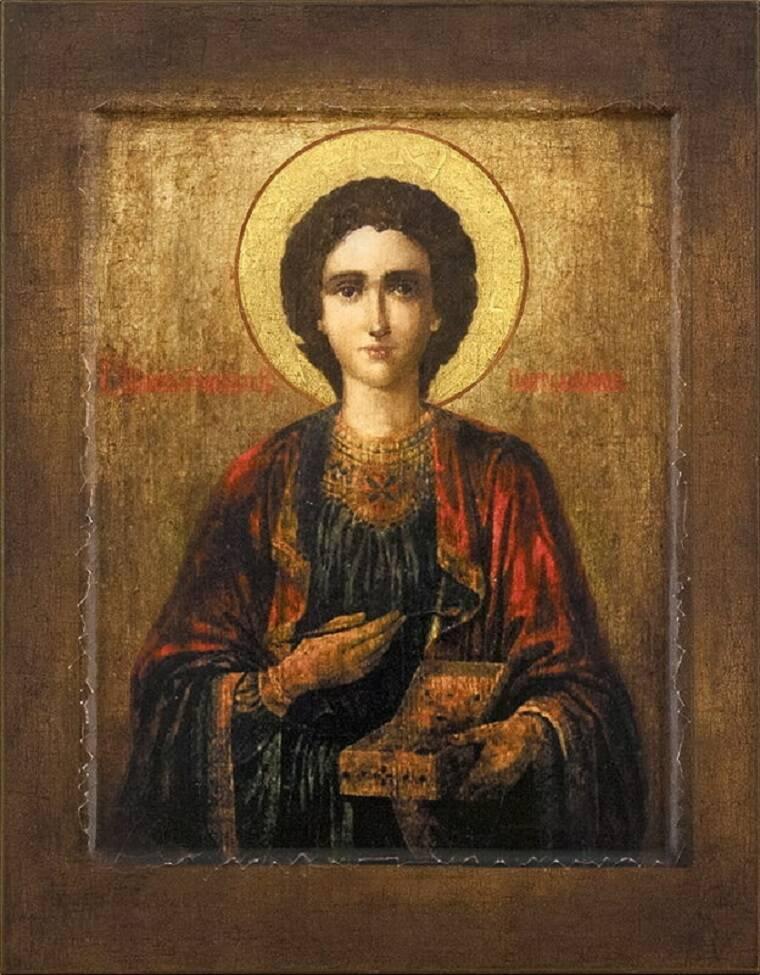 Святой Пантелеймон считается покровителем врачей, больных, а также военных