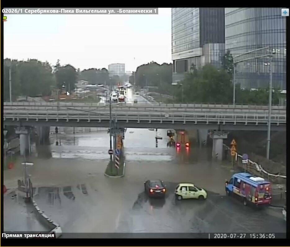 Под удар стихии попали автодороги, МЦД и жилые комплексы.