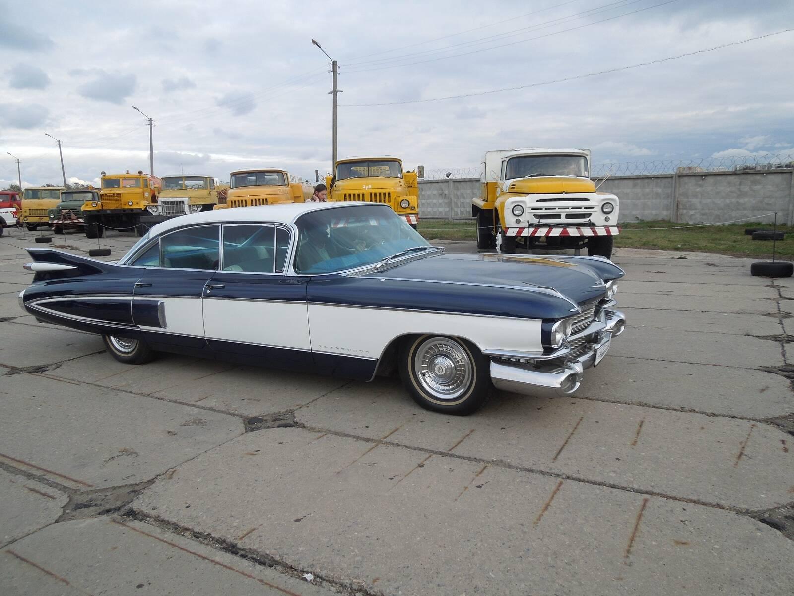 За Cadillac Fleetwood 1959 року просять серйозну суму.