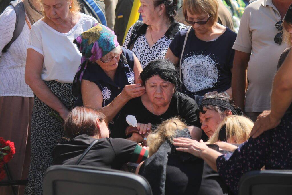 """У Запоріжжі провели в останню путь бійця """"Азова"""" Олега Черевка"""